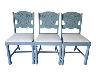 Coastal Living Cottage Style Set of 3 Freshly  Hand Painted Dining Chairs  Excellent