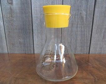 Pyrex Juice Carafe ~ Sunburst Gold ~ Yellow Stopper