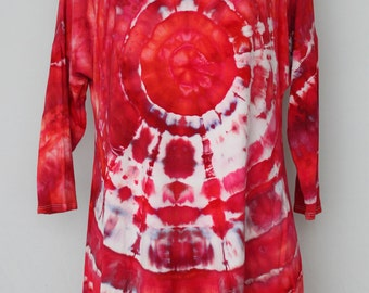 Tie dye Women's 3/4 sleeve tunic blouse - Size Small - Pomegranate mega eye