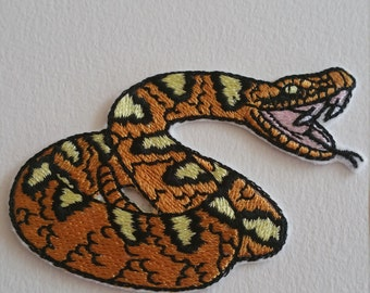 Beautiful snake iron on or sew on patch Snake iron on patch Snake sew on patch Reptile sew on patch Reptile iron on patch Patches snake