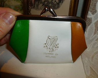 Vintage Souvenir Kiss Lock Coin Purse From Ireland 1970's