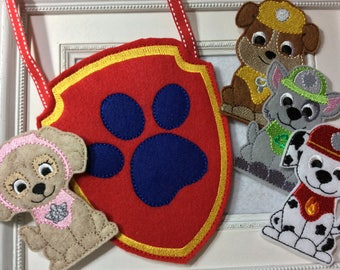 Dog Finger Puppet Set with  Large Carrier 9 Pieces , Great Quiet time toy    Ready to Ship