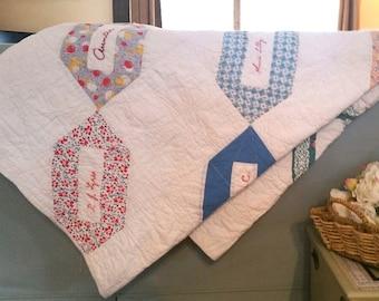 Vintage Handmade Quilt / Friendship Quilt /Wall Quilt