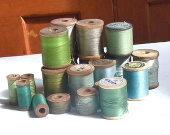 Thread / Vintage Group of Wooden Spools of Green Thread / Assortment of 17 / Clarks / Belding / Vintage Color Palette