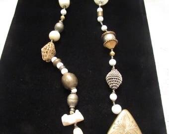 Vintage  BOHO TRIBAL ETNIC bone/ brass/ glass necklace