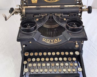 REDUCED!!! Antique 1915 Royal 10 Typewriter with Double Beveled Glass Panels