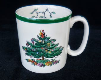 Spode Mug in the Christmas Tree with Green Border pattern England S3324