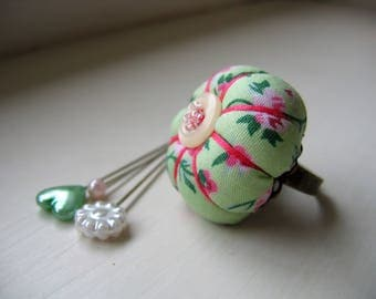 Pin Cushion / Pin Cushion Ring / Floral Pincushion / Retro Pincushion / Vintage Style Pincushion With Button Detail / Green Pincushion