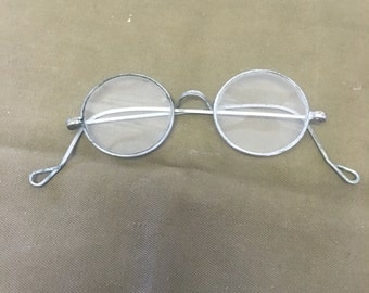 Vintage french optical glasses in good shape for the age