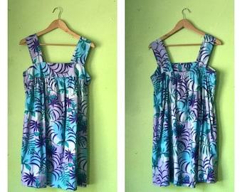 SALE Vintage tropical MOO MOO Dress 1970s floral smock dress mum dress Boho Hippie clothing Blue Purple cotton gauze tent dress womens Large