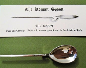 Vintage Sterling Silver Hallmarked Roman Spoon By William Comyns 1982 & Card (6832)