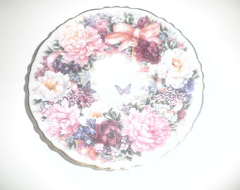 Vintage 1994 Bradford Exchange Circle Of Love by Lena Liu 7 1/4 inch collectable plate