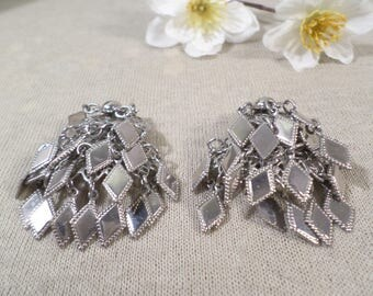 Beautiful Vintage Silver Tone Pair Of Dangle Clip On Earrings  DL#2739