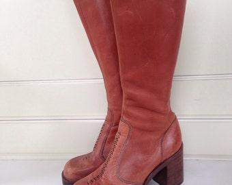 Vintage 70's leather platform boots - size 7 1/2