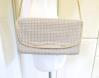 70s 80s Beige Glomesh shoulder bag, flap goldtone evening bag, vintage, handbag, 317/123
