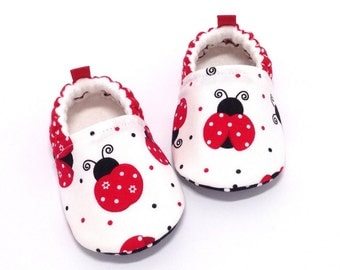 Ladybug Baby Shoes, Soft Sole Baby Shoes, Baby Booties, Baby Shower Gift, Red Toddler slippers, Red Baby Shoes, Baby Girl