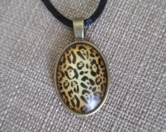Cameo Leopard Pendant Necklace