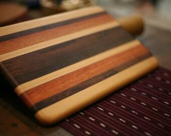 Tablero de corte de madera pequeña/plato