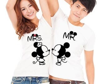 Mr and Mrs, Mickey mouse, Minnie mouse, Disney couple shirts, Cute disney shirts, Disney world, Disney vacation, Disneyland, Disney gift