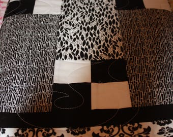 Handmade Quilts, Kids Black and White Quilts, Checkered Quilt, Black and White Baby Quilts, Black and White Blankets, Lounging Blankets