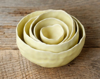 Nesting Pinch Pots-Lemon Yellow
