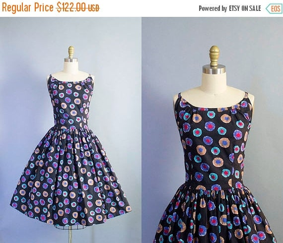 SALE 15% STOREWIDE 1950s Novelty Print Sundress/ Large (39b/33w)