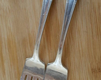"Antique CASTLE Silver 1940 ADMIRAL/MISSION Salad/Dessert Fork 6"", Set of 2"