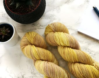 Hand dyed sock yarn, hand dyed yarn, merino yarn, handgefärbte wolle, merino sockenwolle, handmade gift, gift for wife, DYE TO ORDER - Gold