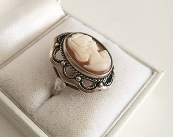 Cameo Ring - Silver cameo ring - Orange and white cameo - Sterling silver cameo - vintage/antique