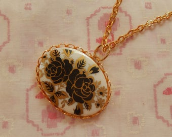 Simple Black and Gold Roses Cameo Gold Plated Pendent Necklace