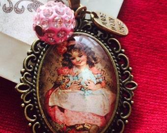 Pendant with a Victorian portrait Pendente con ritratto Vittoriano