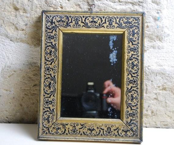 Superb petit miroir fin 19 me bois dor patin noire glace for Petit miroir dore