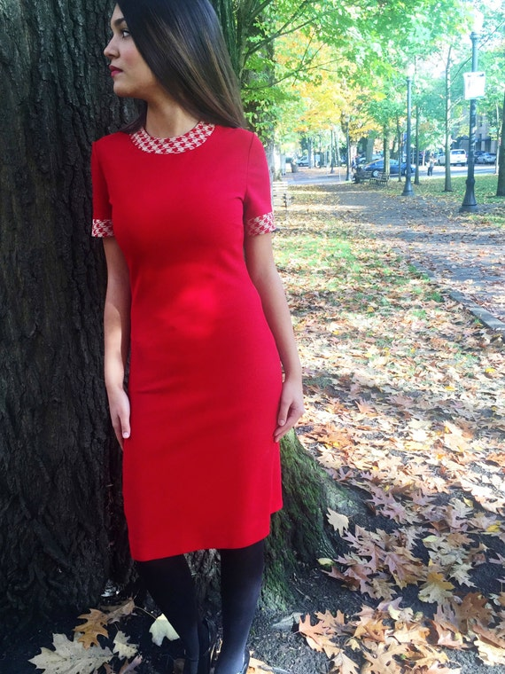 Sale! Retro 50s, 60s, Red Dress // Houndstooth, Shift Dress, Womens, Costume, Size Small