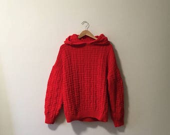 Vtg red knit sweater with hood and full sleeves