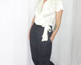 90's Satin White Cropped Wrap Blouse/ Collared Wrap Blouse with Button and Tie Closure/ Mirror White Satin Crop Top/ Pin-Up Crop Top Blouse