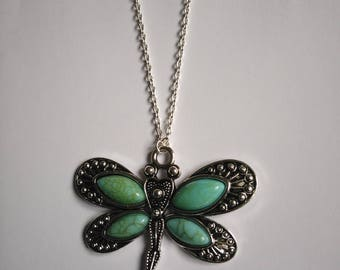 Silver with chic bohemian style Dragonfly pendant necklace