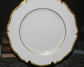 Early mid-century (c.1940s) Royal Worcester Marquis-like large dinner plate. Broad, embossed gold edge and inner band.