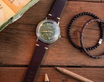 Vintage Vostok Boctok Wostok men's watch with green dial, russian watch, vintage mens watch, ussr cccp soviet watch