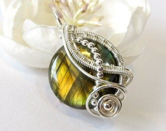 Silver Wire Wrapped Pendant, Green Gold Flash Labradorite Pendant, Unique Handmade Sterling Silver Wire Weave Necklace, Made to Order