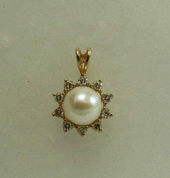 Akoya 8.8mm White Pearl Pendant 14k Yellow Gold and Diamonds 0.40ct
