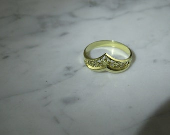 14K Yellow Gold Filigree Ring  Size 9.75)