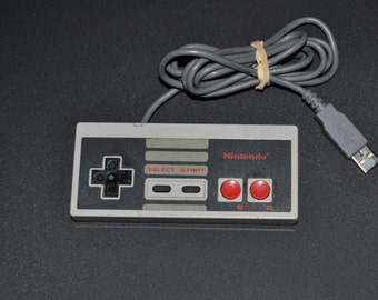 Nintendo NES Controller USB Memory 32 GB+ (Playstation/Snes controllers also available)