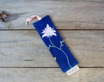 Bookmark – made from recycled jeans