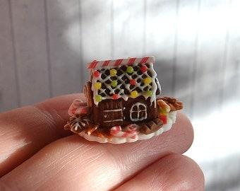 Dollhouse Miniature Christmas, Miniature gingerbread house, Christmas miniature, scale 1:12, Dollhouse Christmas decoration ,Scale one inch