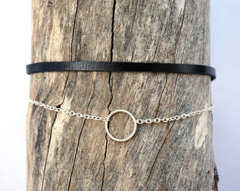 Thin Silver Chain Ring Choker Necklace - Minimal Silver Chain Choker - Black Leather Circle Choker - Dainty Chain Choker - 90s Ring Choker