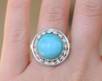 Round Bright Blue Turquoise Silver Vintage Statement Ring, US Size 7.0, Used