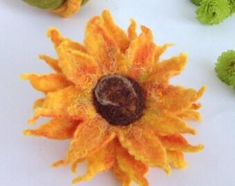 Felted brooch. Orange sunflower. Felt brooch.Wet felted brooch. Flower pin. Wool jewelry. Summer brooch. Mother's gift. Gift idea under 20
