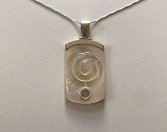 Gorgeous Vintage Large Mother of Pearl Swirl Spiral 925 Sterling Silver Pendant Necklace