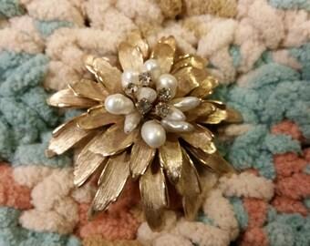 Vintage Pearl Rhinestone brooch