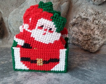 Vintage Plastic Canvas Santa Coaster Set, Vintage Christmas, Handcrafted Christmas Decoration, Santa Claus Decoration, Coasters